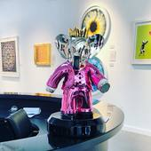 Do you love this Babolex Pink at Hollywood Art Gallery's ?  15000 USD. Limited to 8 units , only 2 available, Silver chrome , 60 cm High  artist Vincent Faudemer - - #babolex #vincentfaudemer #hollywood #gallerie #gallery #art #exposition #damienhirst #westhollywood #dior #chanel #gucci #pink #curator #oeuvredart #artcontemporain